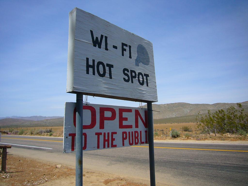Am Weißenburger Marktplatz soll es schon bald flächendeckend ein W-LAN geben, mit dem Bürger und Gäste der Stadt in's Internet können. Realisiert wird das durch ein Angebot der Firma Kabel Deutschland. Wie eine Pressemitteilung des Unternehmens nun aber zeigt, handelt es sich nicht um freies Internet wie bisher angepriesen. Viel […]