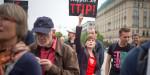 In unserer letzten Sitzung am 26.03.2015 sprach sich der Bezirkstag Mittelfranken für eine Resolution gegen die Freihandelsabkommen TTIP, CETA und TiSA in der derzeitigen Form aus. Der strittigste Punk war Absatz 1, der eine klare Ablehnung signalisiert. Die CSU wollte diesen sowie den letzten Absatz streichen, so dass lediglich die […]